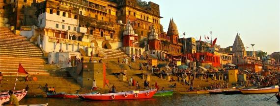 Ganges-ghat-Varanasi.jpg